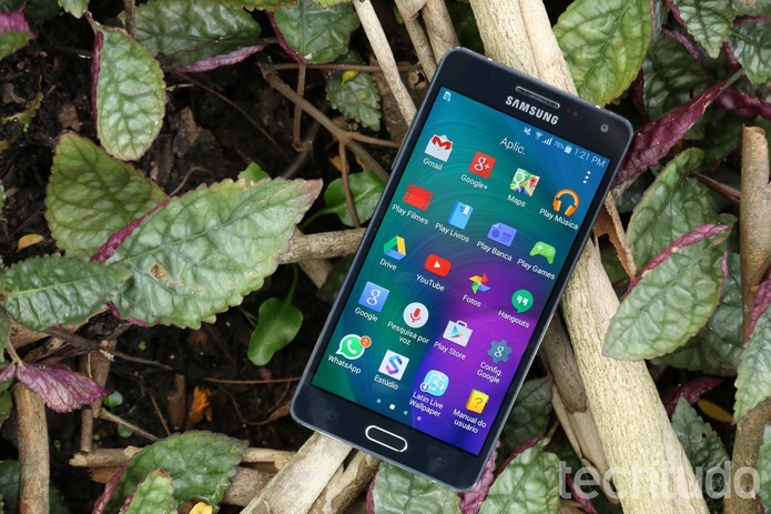 Samsung Galaxy A5 (Foto: Anna Kellen Bull/TechTudo) (Foto: Samsung Galaxy A5 (Foto: Anna Kellen Bull/TechTudo))