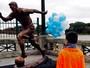 Dois dias depois de vice, estátua de Messi é inaugurada em Buenos Aires