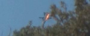 Turquia derruba avião militar russo na fronteira síria (Reprodução/GloboNews)