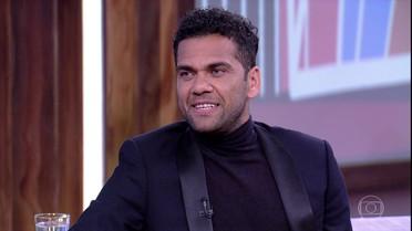 Daniel Alves fala sobre músicas e texto que escreveu