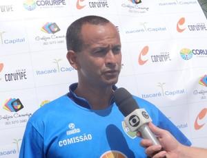 Jaelson, técnico do Coruripe (Foto: Leonardo Freire/GloboEsporte.com)