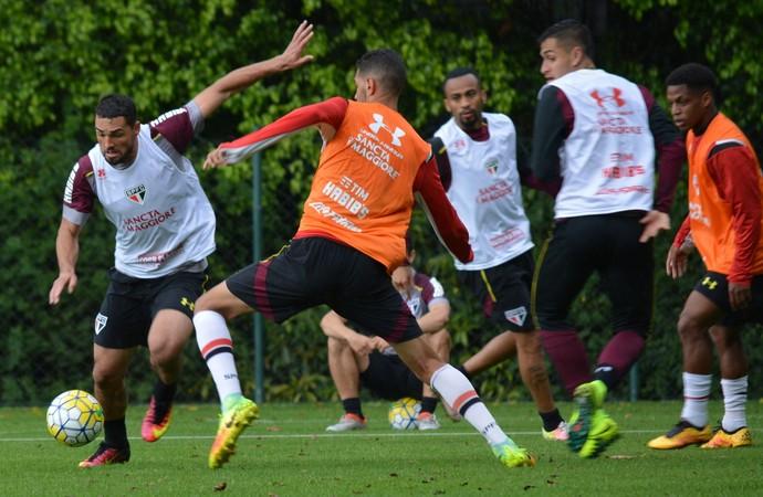 Gilberto se recupera e retoma treinos no São Paulo (Foto: Ana Luiza Rosa/saopaulofc.net)