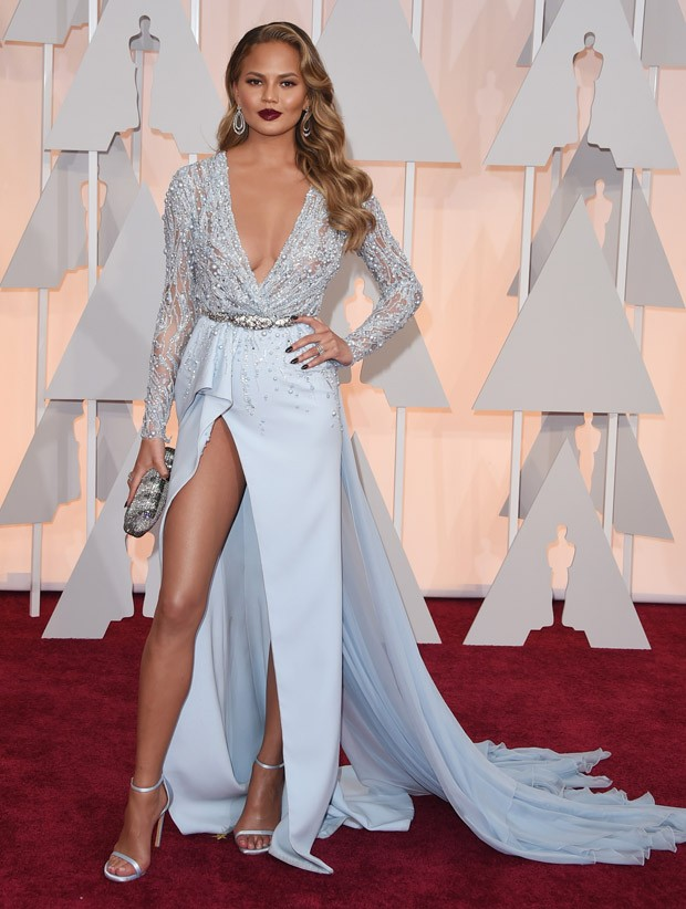 Chrissy Teigen no Oscar 2015 (Foto: Getty Images)