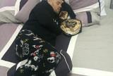De alma lavada, Loro dorme com cinturão e revela ligação de José Aldo