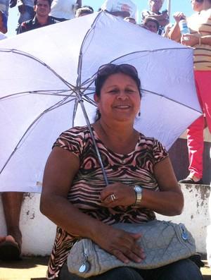 Roseli acompanha os jogos do Amadorão (Foto: Mariana do Espirito Santo)