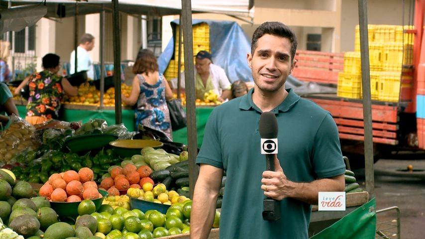 Cesinha Fernandes mostra os benefícios dos alimentos (Foto: Divulgação/ TV Gazeta)