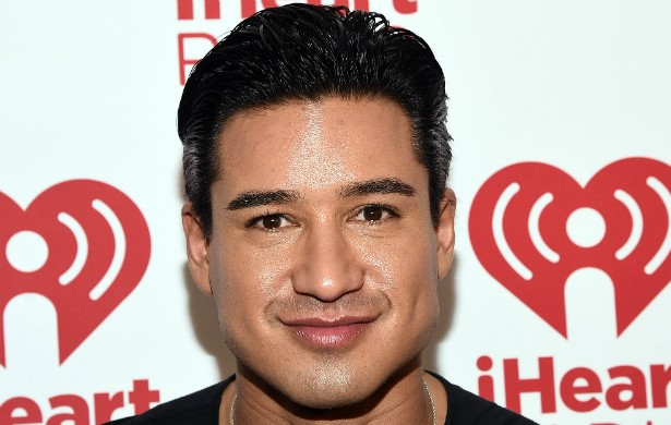 "Quer ter o corpão do ator e apresentador Mario Lopez? Então faça pratos como os que ele ensina no livro 'Extra Lean: The Fat-Burning Plan That Changes the Way You Eat for Life' (""Super Magro: O Plano de Queima de Gordura que Muda para Sempre seu Jeito de Comer""). (Foto: Getty Images)"