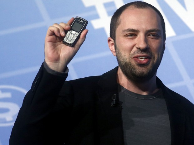 Jan Koum, CEO do WhatsApp, durante fala na feira MWC, em Barcelona (Foto: Albert Gea/Reuters)