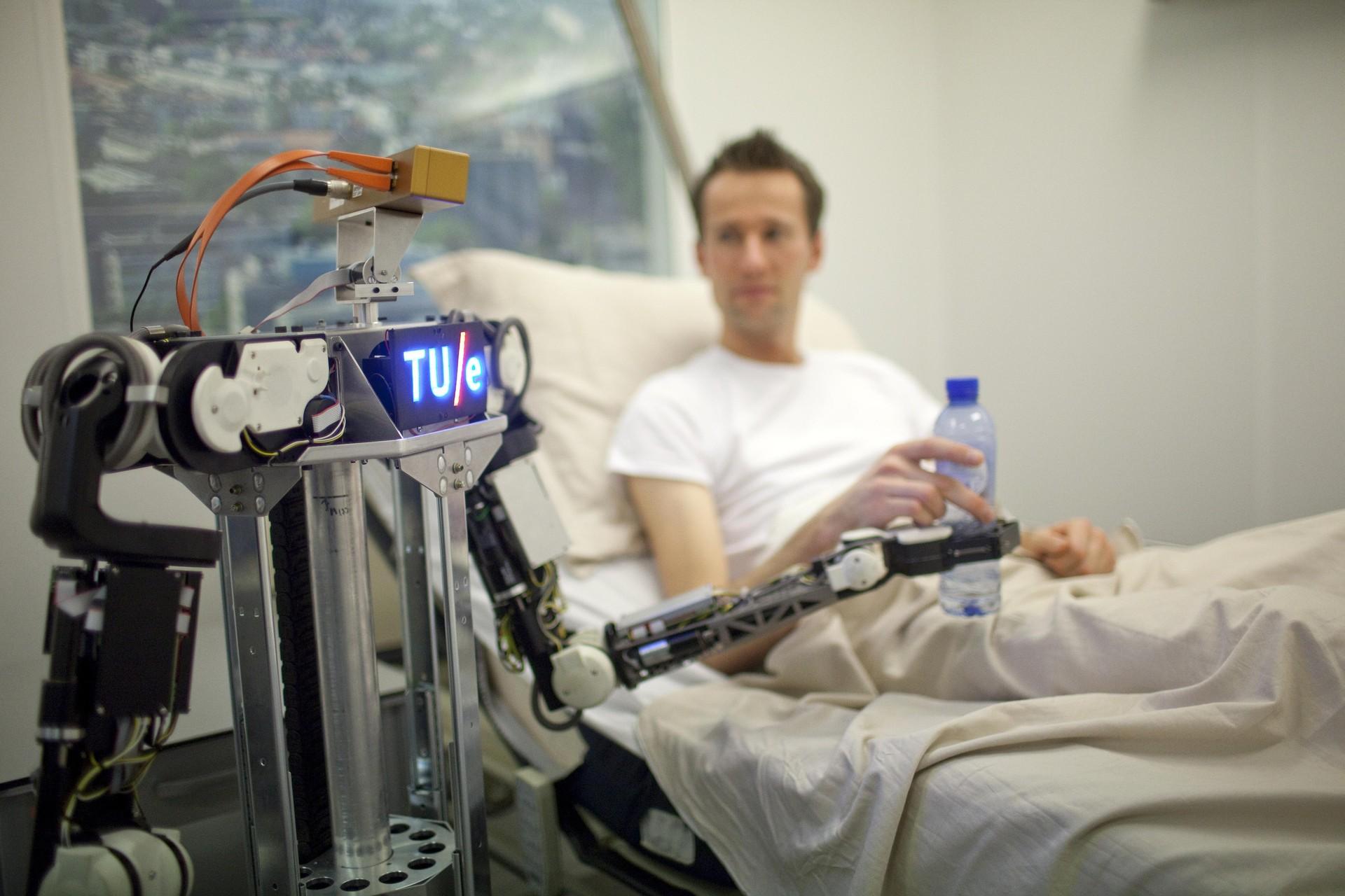 Com a ferramenta, robôs fazem upload, armazenam e compartilham conhecimento (Foto: Divulgação)