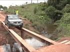 Motoristas se arriscam em pontes precárias em estradas do país
