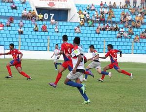 Americano (MA) e Balsas (MA) jogam no Nhozinho Santos, pelo Campeonato Maranhense (Foto: De Jesus/O Estado)