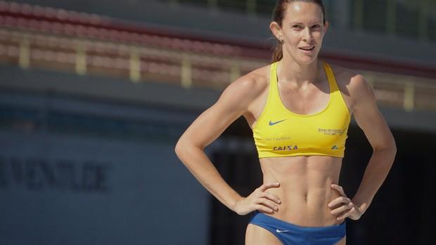 fabiana murer trofeu brasil atletismo (Foto: Marcos Alves/Agência Globo)