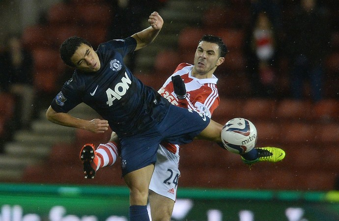 Rafael, Stoke City x Manchester United (Foto: AFP)
