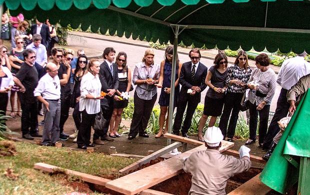funeral de Wilson Fittipaldi em São Paulo (Foto: Marco Ambrósio / Agência Estado)
