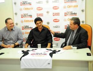 Wallace Lemos é apresentado como novo treinador do Rio Branco (Foto: Bruno Carreno/Divulgação Rio Branco)