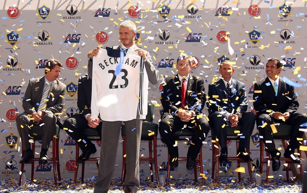 Beckham na chegada ao Los Angeles Galaxy em 2007 (Foto: Getty Images)