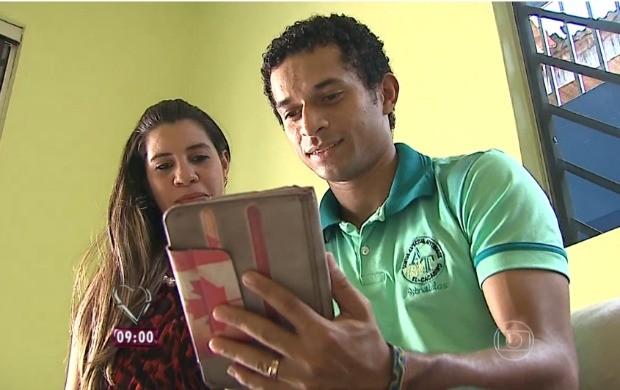 Casal Raíza e Thiago conseguiu casar com ajuda de uma rifa, no Acre (Foto: Mais Você)