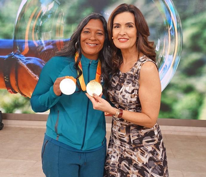 Apresentadora com Shirlene Coelho (Foto: Juliana Hippertt/Gshow)