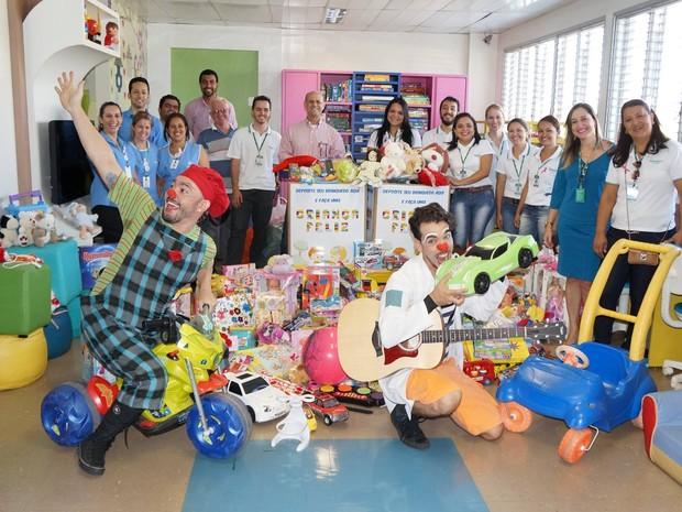 Brinquedos doados a crianças em Uberlândia  (Foto: Gustavo Lazzarini/Divulgação)