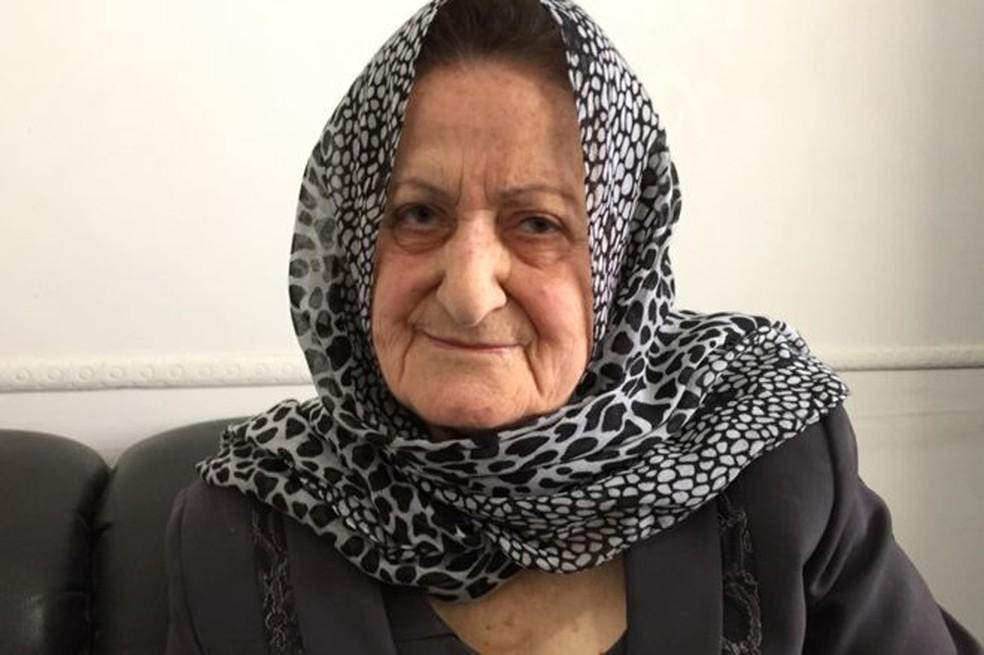 Zeinab Mokalled, libanesa que organizou equipe feminina de coleta de lixo  (Foto: BBC)