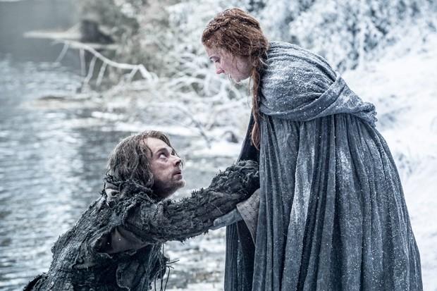 Theon e Sansa: fugitivos de Ramsey (Foto: Divulgação)
