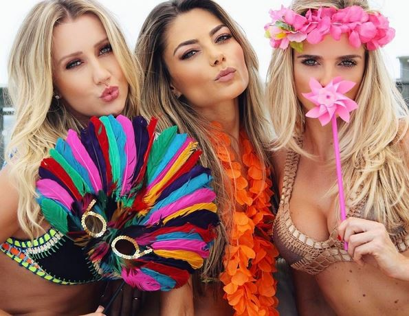 Ana Paula Siebert com Karina Flores e Raphaela Scharf  (Foto: Instagram/Reprodução)