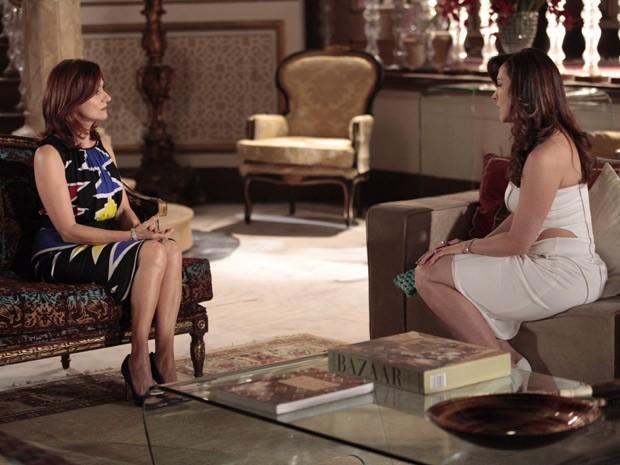 Berna conta a verdade sobre Wanda para Lívia (Foto: Salve Jorge/TV Globo)
