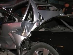Carro em que estava família de Limeira ficou destruído após acidente (Foto: Rápido no Ar)