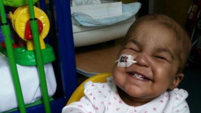 Terapia genética inédita conseguiu reverter o câncer de uma menina de Layla Richards, de 1 ano (Foto: Great Ormond Street Hospital/BBC)