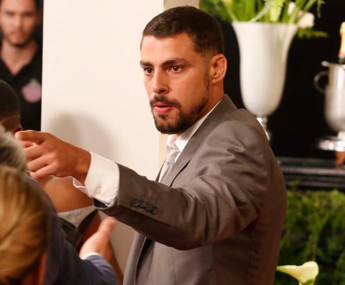 Juliano fala toda a verdade sobre a relação de Romero e Djanira (Foto: Ellen Soares / Gshow)