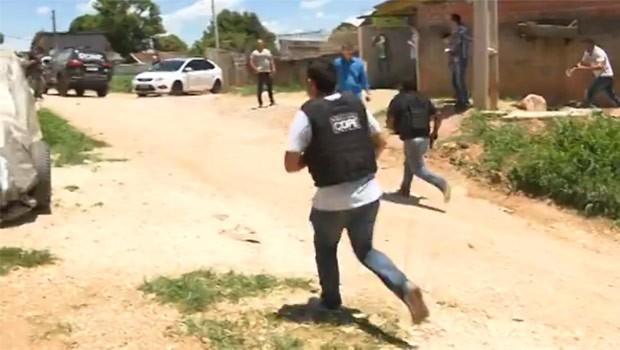 Ação realizada pela polícia buscava a prisão de um traficante (Foto: Reprodução)