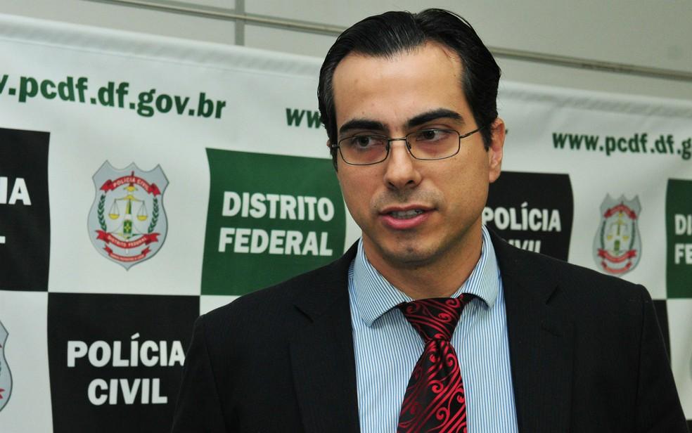 Delegado-adjunto da Delegacia de Repressão aos Crimes Contra a Administração Pública, Virgílio Agnaldo Ozelami (Foto: Tony Winston/Agência Brasília/Divulgação)