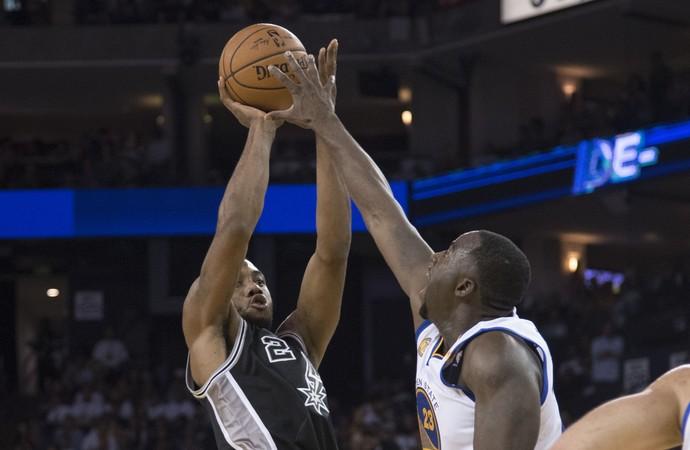 Kawhi Leonard Spurs x Warriors NBA (Foto: Reuters)