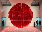 Obras de Bienal de Curitiba seguem expostas no MON até 14 de fevereiro