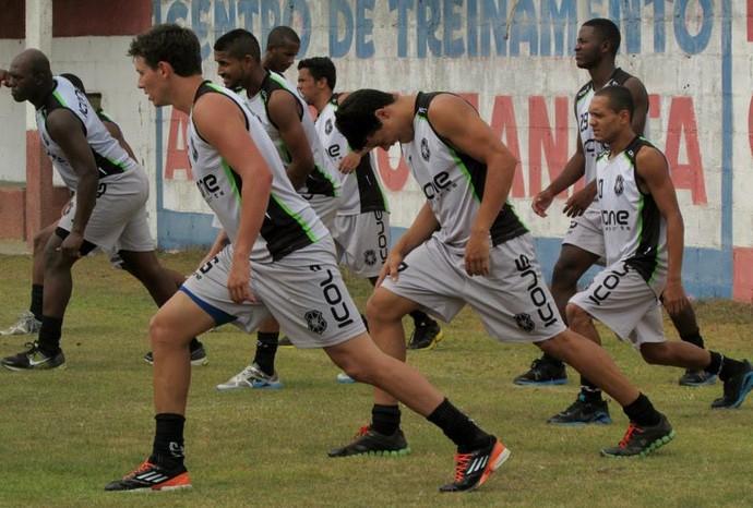 A apresentação ocorreu na manhã da última terça-feira. Nenhum treinamento com bola foi realizado no dia (Foto: Deysiane Gagno/ Rio Branco A.C)