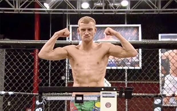 FRAME UFC TUF Grant bate o peso (Foto: Reprodução)
