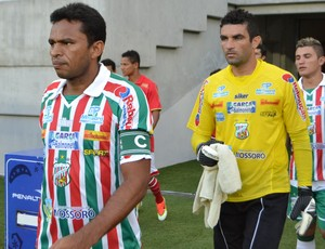 Zagueiro Nildo e goleiro Érico - Baraúnas (Foto: Jocaff Souza)