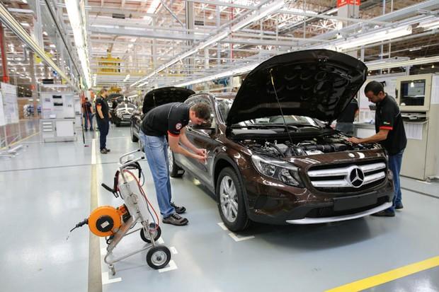 Produção do Mercedes GLA em Iracemápolis, no estado de São Paulo (Foto: Divulgação)
