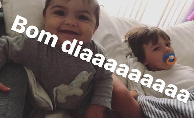 Joaquim e Maria, filhos de Felipe Simas e Mariana Uhlmann (Foto: Reprodução/Instagram)
