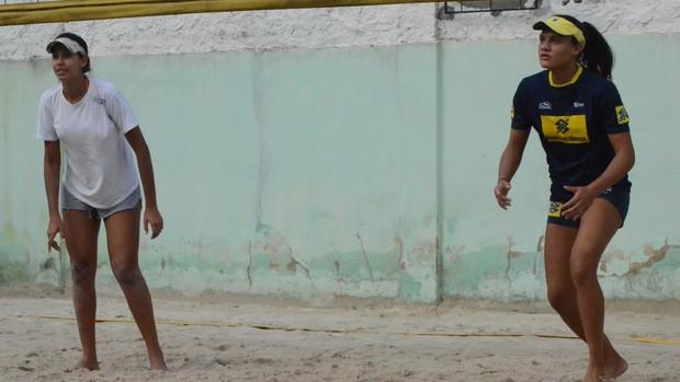 Duda e Thainá - vôlei (2) (Foto: Felipe Martins/GLOBOESPORTE.COM)