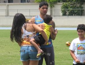 Renato e filhos treino Botafogo (Foto: Thales Soares)