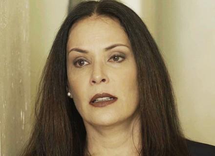Penélope chora após ser rejeitada em entrevista de trabalho