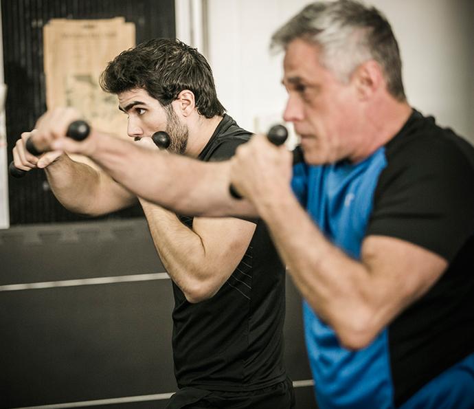 Atores mostram sintonia em treino de boxe (Foto: Raphael Dias/Gshow)