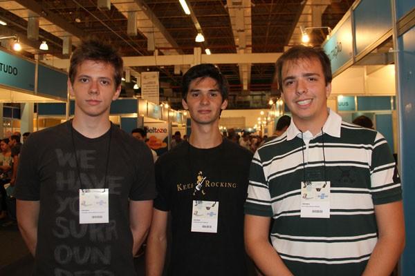 Os estudantes Picchiotti, Pampuri e Martins: eles desejam descobrir as tendências na área de startups (Foto: Fabiano Candido)