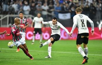 """Ex-Corinthians e Cruzeiro vê equilíbrio entre as equipes: """"Não tem favorito"""""""