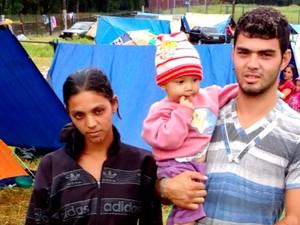 Bebê salva pela PM com a família em Piracicaba (Foto: Polícia Militar de Piracicaba)