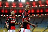 Luxa leva para Manaus apenas quatro titulares do time que venceu o Inter