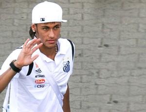 Neymar no desembarque do Santos (Foto: Ag. Estado)