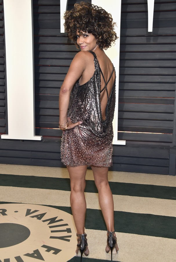 BEVERLY HILLS, CA - FEBRUARY 26:  Actor Halle Berry attends the 2017 Vanity Fair Oscar Party hosted by Graydon Carter at Wallis Annenberg Center for the Performing Arts on February 26, 2017 in Beverly Hills, California.  (Photo by Pascal Le Segretain/Gett (Foto: Getty Images)