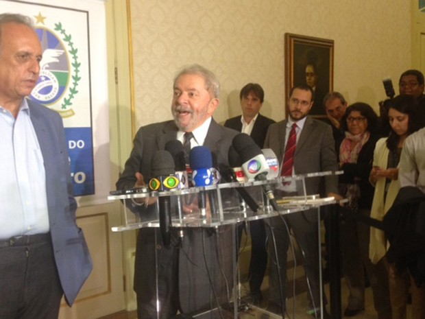 O ex-presidente Lula deu uma entrevista coletiva ao lado do governador do estado do Rio, Luiz Fernando Pezão (Foto: Káthia Mello/ G1)